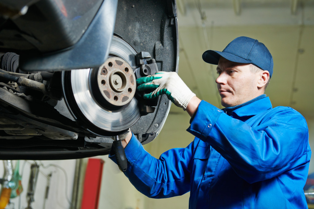 Testing and inspection of pulls, noises, fading or other braking problems ABS system testing, service or repair